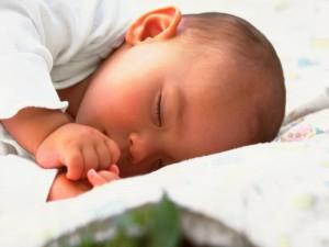 El hábito de dormir en el bebé